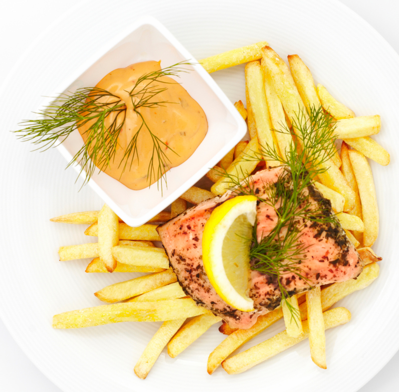 Salmon steak with fries